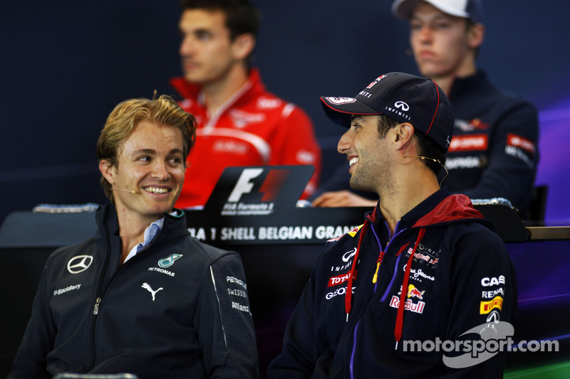 (L to R): Nico Rosberg, Mercedes AMG F1 and Daniel Ricciardo, Red Bull Racing in the FIA Press Conference