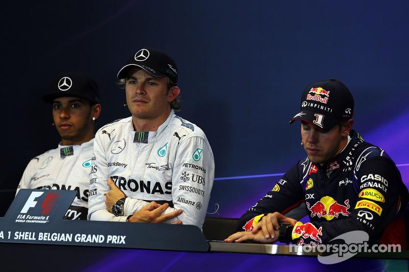 Conferenza stampa della FIA post qualifiche, Lewis Hamilton Mercedes AMG F1, secondo; Nico Rosberg, Mercedes AMG F1, pole position; Sebastian Vettel, Red Bull Racing, terzo