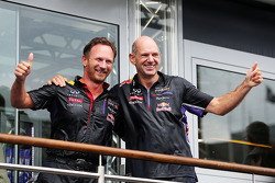 Christian Horner, Red Bull Racing Team Principal and Adrian Newey, Red Bull Racing Chief Technical Officer take part in the ALS ice bucket challenge