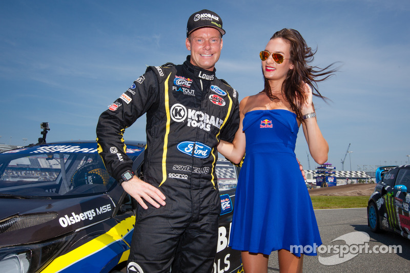 #18 Olsbergs MSE Ford Fiesta ST: Patrik Sandell com a Red Bull girl