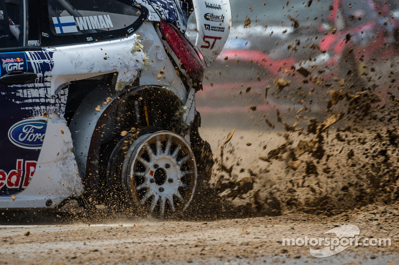 #31 Olsbergs MSE Ford Fiesta ST: Joni Wiman fica três voltas na pista sem o pneu esquerdo traseiro