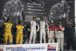 Podium: race winners Thomas Jäger, Dominik Baumann, second place Caca Bueno, Sergio Jimenez, third place René Rast, Enzo Ide