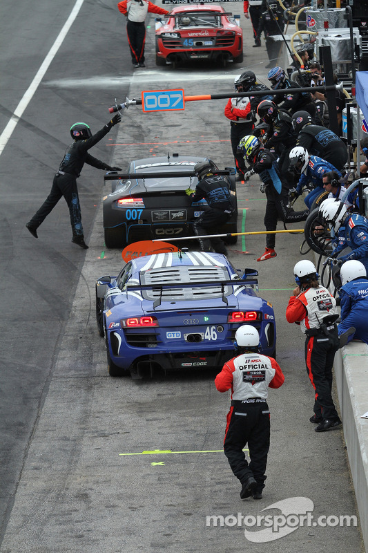 #46 Fall-Line Motorsports 奥迪 R8 LMS: 查尔斯·埃斯彭劳布, 查理·普特曼 的进站