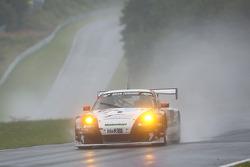 #154 曼泰 保时捷 911 GT3 RSR: Georg Weiss, Jochen Krumbach, Oliver Kainz, Michael Jacobs