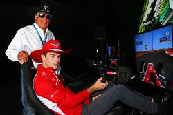 玛鲁西亚车队预备车手亚历山大·罗西与COTA赛道形象大使马里奥·安德雷蒂