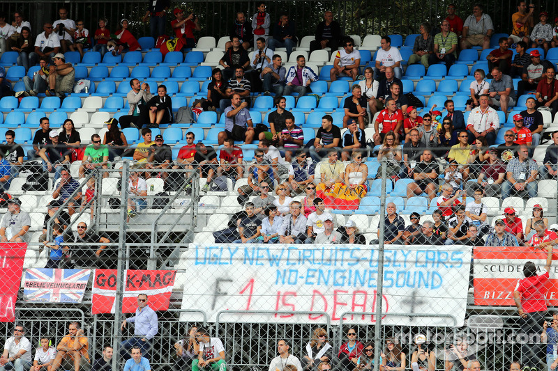 A banner from unhappy F1 fans proclaiming 'F1 is Dead'