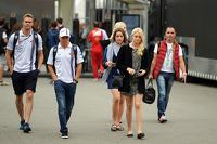 Valtteri Bottas, Williams com sua namorada Emilia Pikkarainen (FIN)
