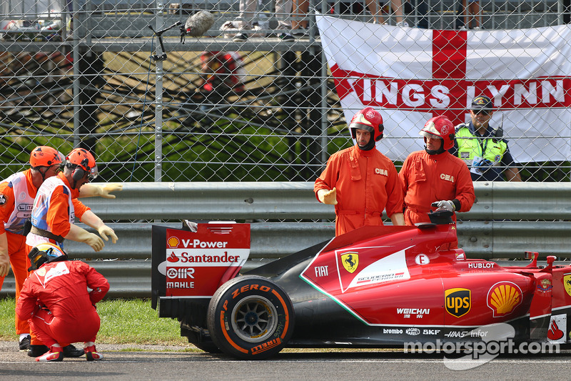 Fernando Alonso, Ferrari retires from the race