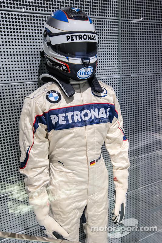 Macacão e capacete de 2006 de Nick Heidfeld