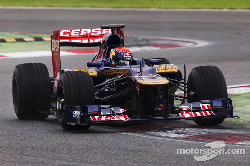 Max Verstappen test voor Scuderia Toro Rosso