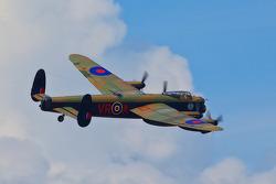兰卡斯特轰炸机