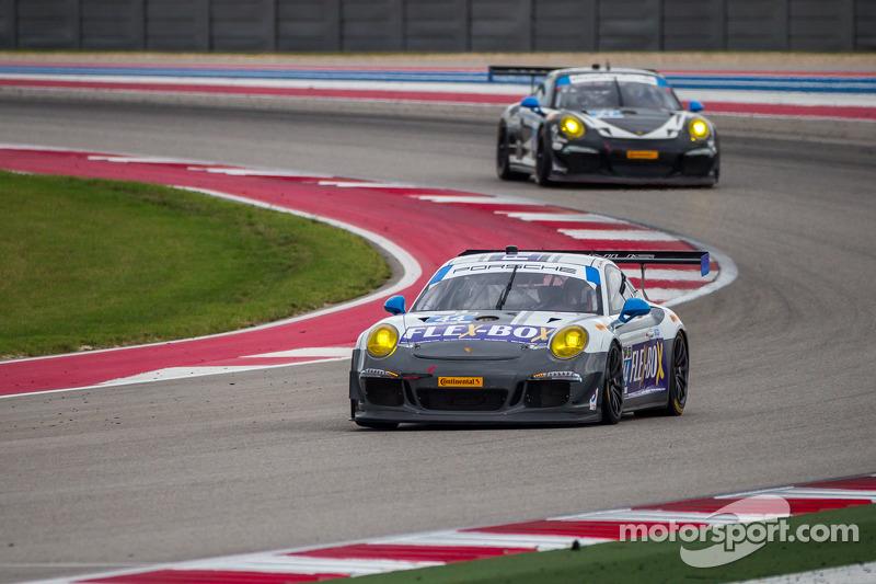 #44 Mangus Racing 保时捷 911 GT America: 约翰·波特, 安迪·拉利