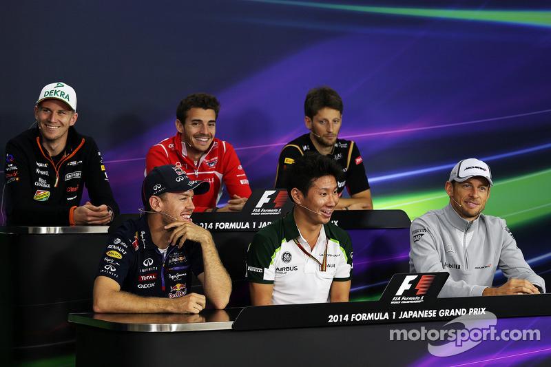 Donnerstag: Pressekonferenz in Suzuka mit Jules Bianchi (Mitte, hinten)