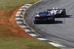 #555 AIM Autosport Ferrari 458 İtalya: Bill Sweedler, Townsend Bell, Conrad Grunewald