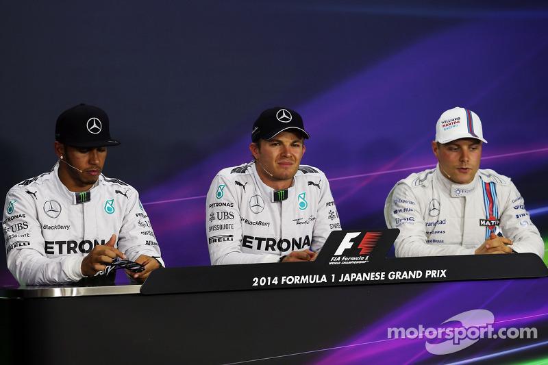 La conferenza stampa della FIA. Qualifiche, i primi tre: Lewis Hamilton, Mercedes AMG F1, secondo; Nico Rosberg, Mercedes AMG F1, pole position; Valtteri Bottas, Williams, terzo