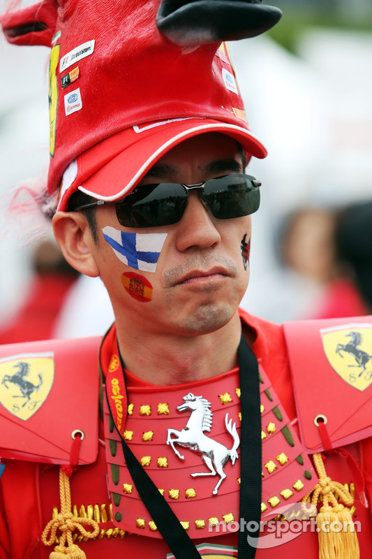 Fans and atmosphere - Ferrari fan