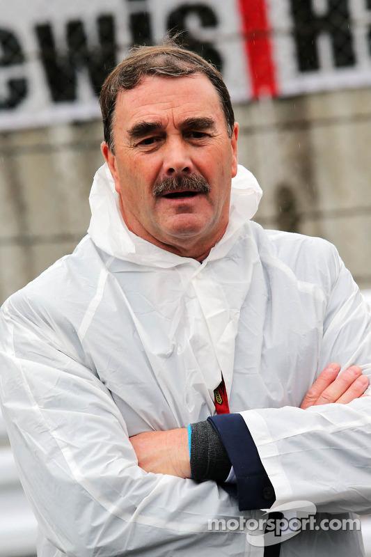 Nigel Mansell no grid
