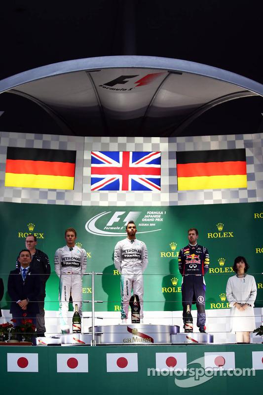 Pódio: vencedor da corrida Lewis Hamilton, o segundo lugar Nico Rosberg, o terceiro lugar Sebastian Vettel