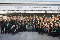 Mercedes fête son titre mondial des constructeurs 2014
