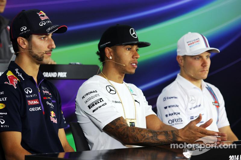 (L to R): Daniel Ricciardo, Red Bull Racing with Lewis Hamilton, Mercedes AMG F1 and Valtteri Bottas, Williams in the FIA Press Conference