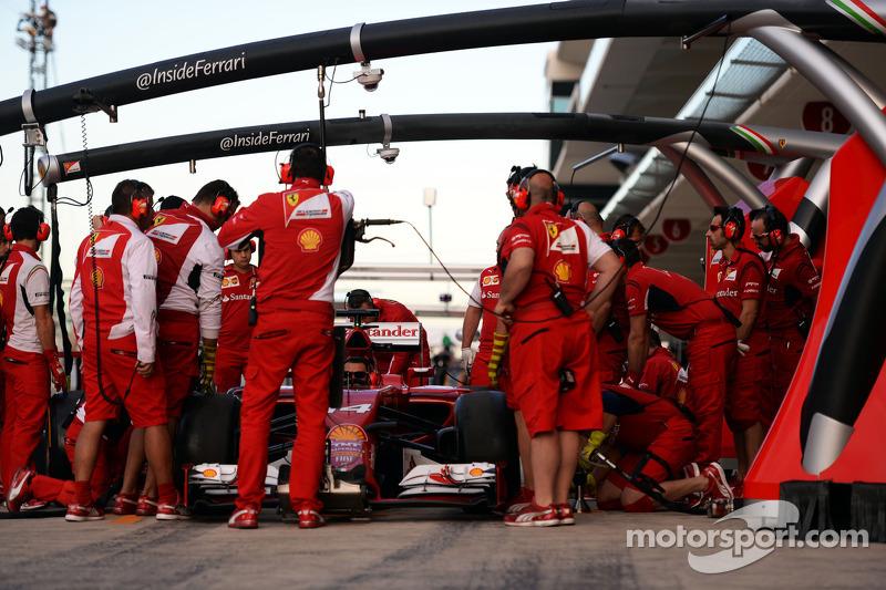 Ferrari pitstop antrenmanı yapıyor