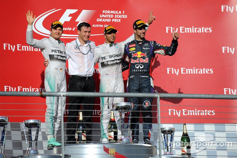 Podium: El ganador Lewis Hamilton, segundo lugar Nico Rosberg, tercer lugar Daniel Ricciardo