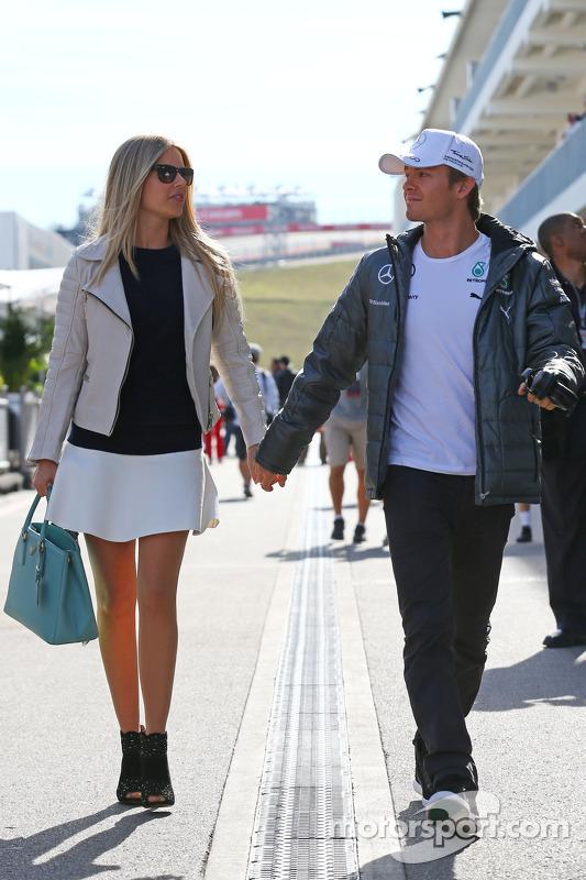 Nico Rosberg, da Mercedes AMG F1, com sua esposa Vivian Rosberg (ALE)