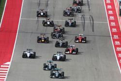 Nico Rosberg leader au début de la course