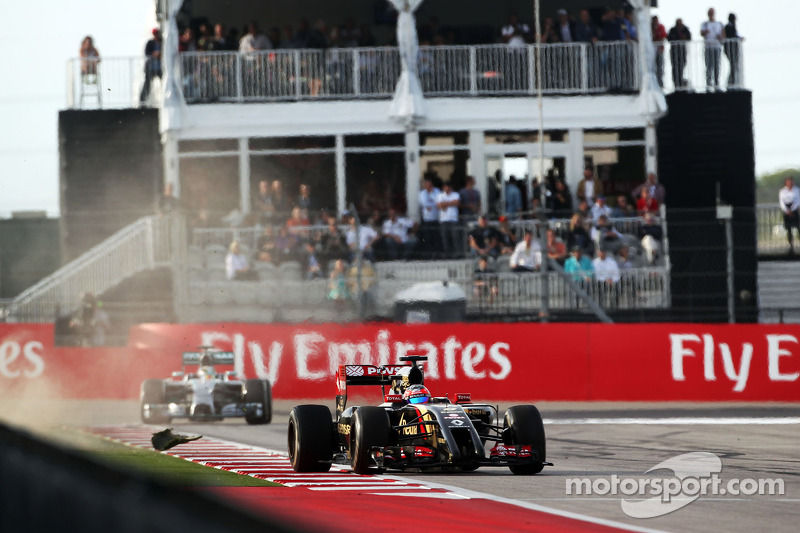 Romaen Grosjean, Lotus F1 E22 se abre demasiado