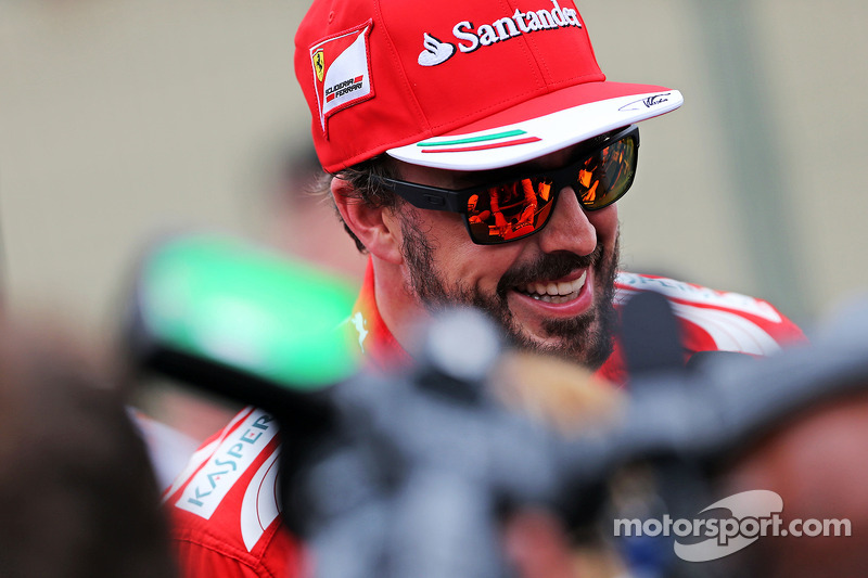 Fernando Alonso, Ferrari, con los medios
