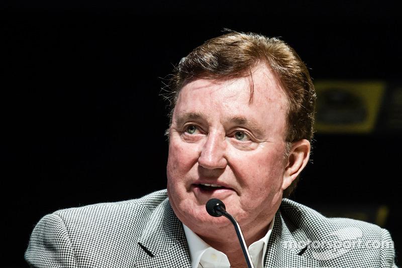 Conferencia de prensa de los contendientes por el campeonato: dueño del equipo Richard Childress