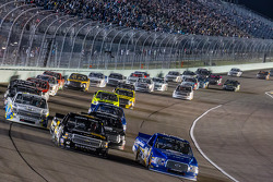Ryan Blaney and Kyle Larson lead the field