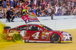 Race winner and 2014 NASCAR Sprint Cup series champion Kevin Harvick, Stewart-Haas Racing Chevrolet celebrates