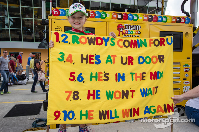 A young fan of Kyle Busch, Joe Gibbs Racing Toyota