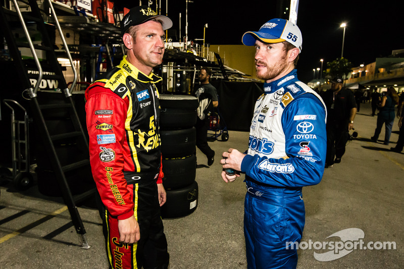 Clint Bowyer, Michael Waltrip Racing Toyota and Brian Vickers, Michael Waltrip Racing Toyota