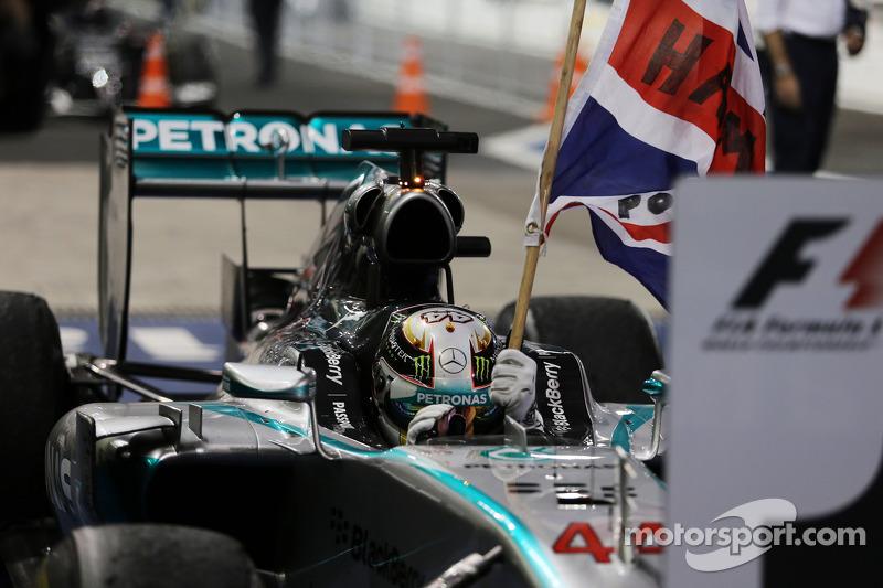 2014: Другий титул Хемілтона на другий рік в Mercedes