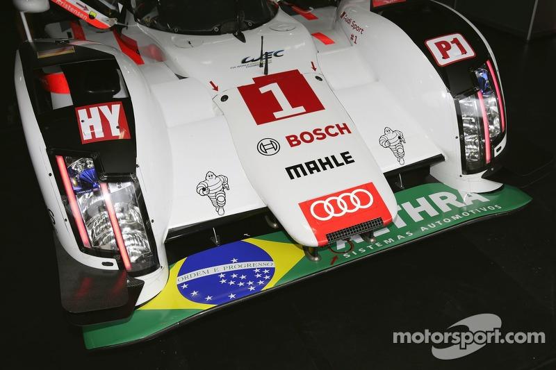 #1 Audi Sport Team Joest Audi R18 e-tron quattro com homenagem ao Brasil