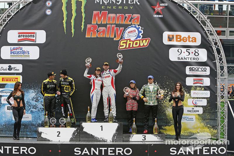 Podium: Los ganadores Robert Kubica y Alessandra Benedetti, segundo lugar  Valenteno Rossi y autolo Cassena, tercer lugar  Stefano D'Aste y Lenda D'Aste