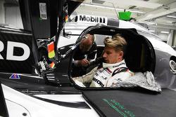 Nico Hulkenberg prueba de asiento en el Porsche 919 Hibrido