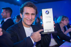 Alex Zanardi recibe el premio al regreso del año