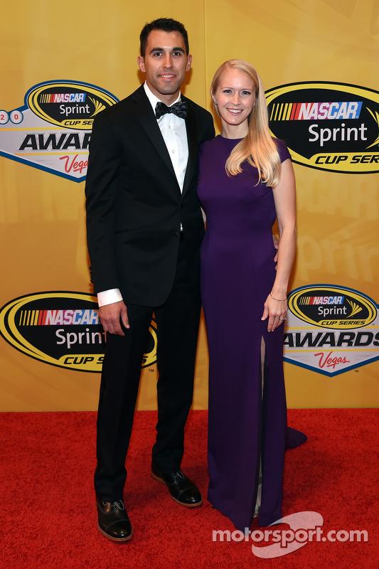 Aric Almirola e sua esposa Janice