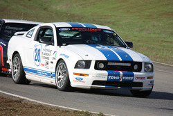 #28 Ford Boss 302S: Donny Edwards, Oscar Jackson, Robert Rodriguez