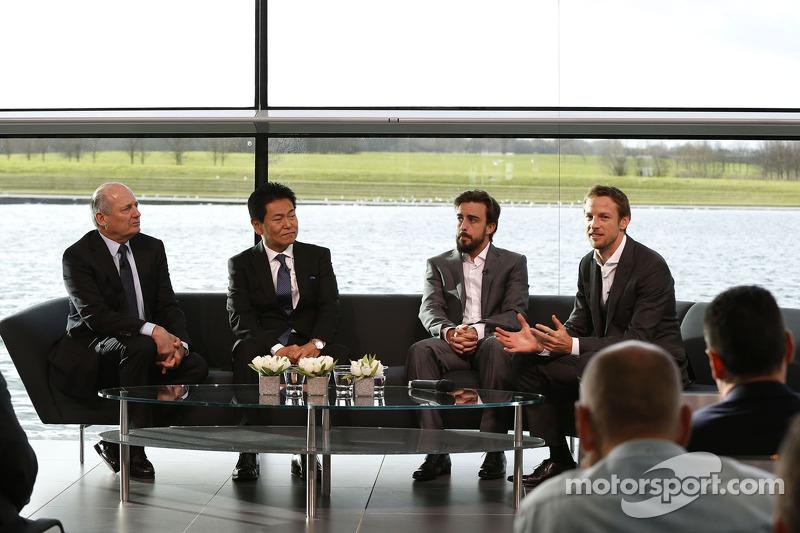 No fim, Magnussen provou ser inconstante demais e acabou sendo rebaixado para 3º piloto. O time abria espaço para uma nova era: a Honda voltaria a fornecer motores à estrutura em 2015 e Alonso faria uma dupla campeã ao lado de Button.