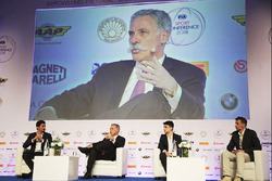 Chase Carey, CEO F1 Group, Alex Yoong