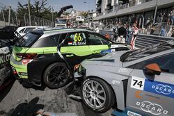 Crash in the first race, Pepe Oriola, Team Oscaro by Campos Racing Cupra TCR, Zsolt Szabó, Zengo Motorsport Cupra TCR