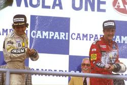 Podium: race winner Nelson Piquet, Williams, third place Nigel Mansell, Williams