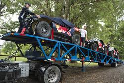 Peugeot Team arriveert voor test