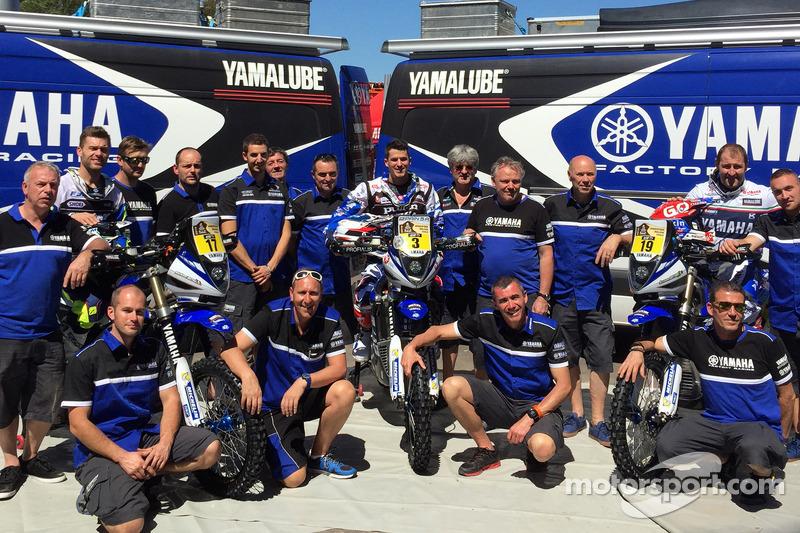 Yamaha-Team mit den Fahrern Michael Metge, Olivier Pain, Alessandro Botturi
