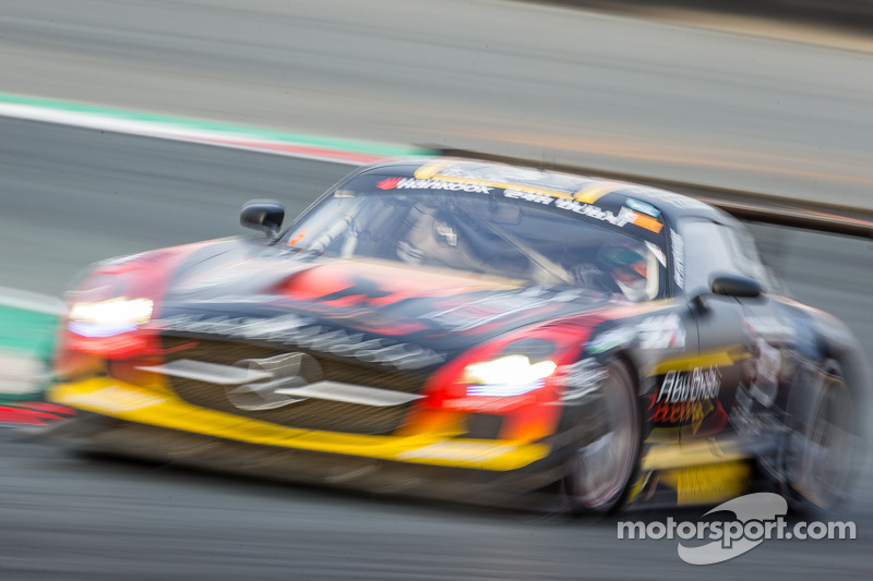 #3 Abu Dhabi Racing Black Falcon, Mercedes SLS AMG GT3: Khaled Al Qubaisi, Jeroen Bleekemolen, Bernd