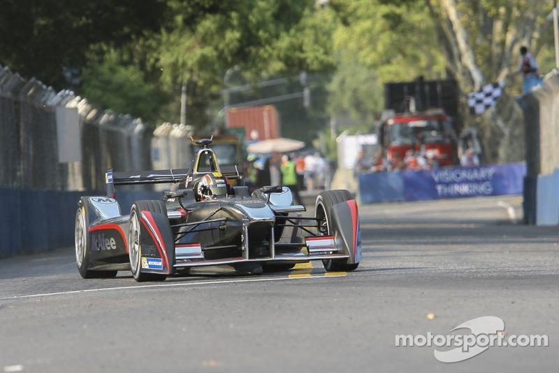 Oriol Servia, Dragon Racing